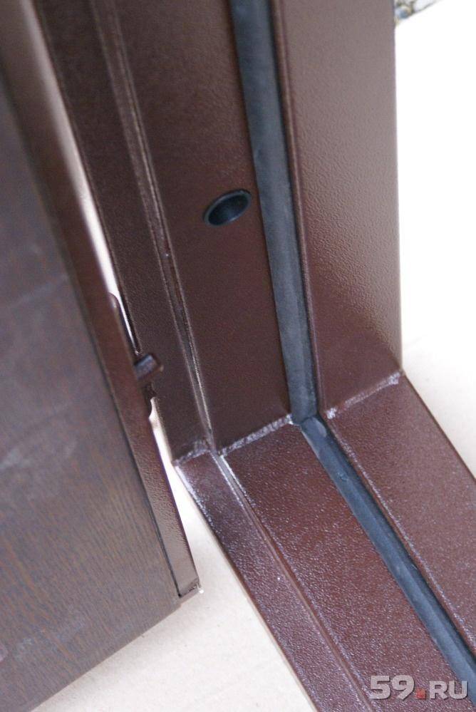 непромерзающая входная дверь в коттедж