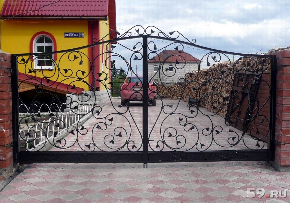 железные двери ворота сварные изделия