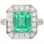 Продам кольцо с большим изумрудом, Пермь