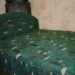 Продается деревянная двухспальная кровать с упругим матрацем, Пермь